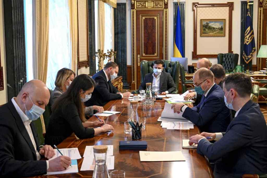 Тільки що! Термінова нарада – просто на Великодні свята : Зеленський зробив важливу заяву – Україна готується!