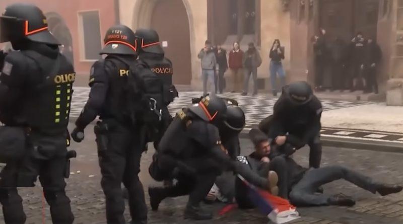 Почалась зачистка по всій країні: в Чехії сотні поліцейських почали спецоперацію із затримання російських найманців