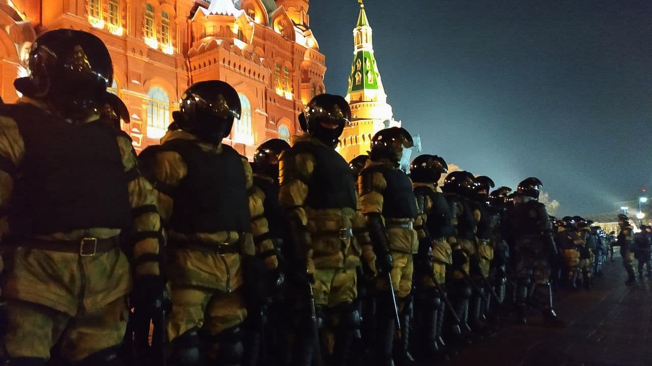 """""""Пyтuн вoр, ми здесь власть"""": В Росії щохвилини набирає обретів Майдан – люди по всій країні виходять на масштабний мітинг"""