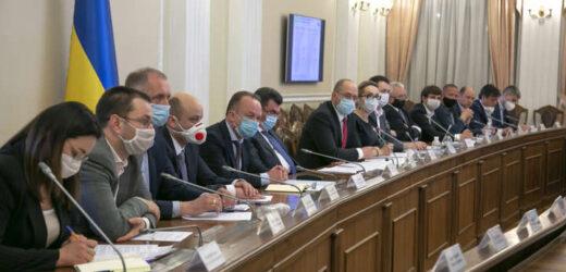 Все залежитиме тепер від стажу: українкам повідомили умови для виходу на пенсію в 60 років – будуть змінюватися щороку